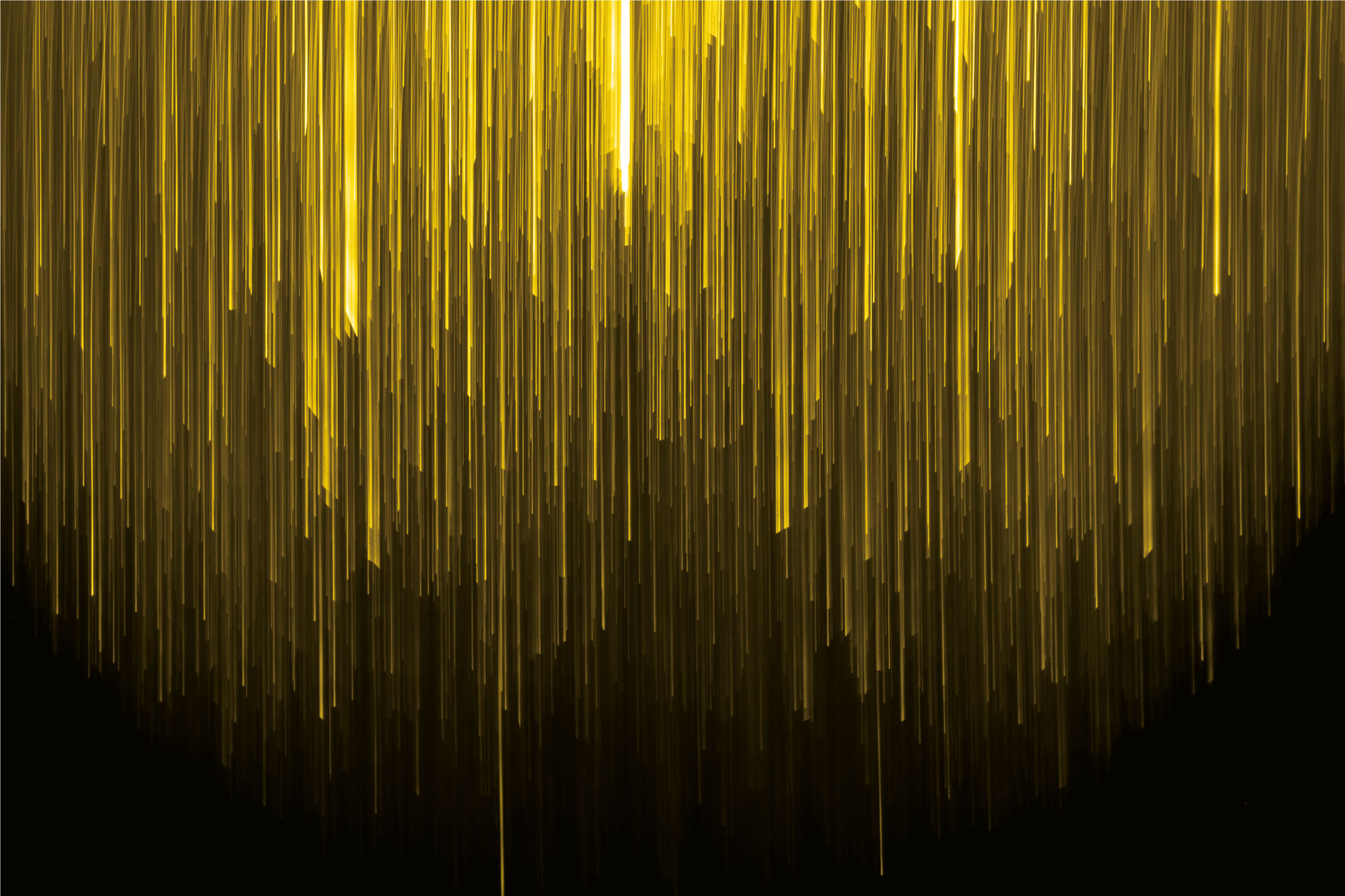 Digital-commerce-2000x1339-A_yellow lights